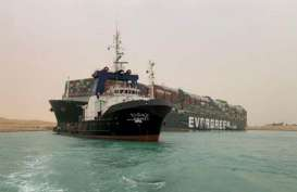 Seluruh Kapal yang Tertahan di Terusan Suez Sudah Berhasil Lewat