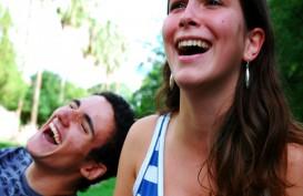 Resep Murah Tingkatkan Imun Tubuh di Masa Pandemi: Tertawa