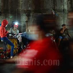Penjahit Jalanan di Ibu Kota Alami Penurunan Pendapatan Sejak Pandemi Covid-19