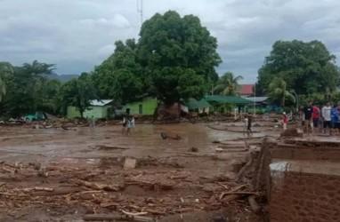 Bencana NTT, PUPR Bersihkan Lokasi Bencana Hari Ini