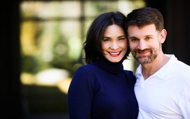 Miliarder John dan Laura Arnold  - istimewa