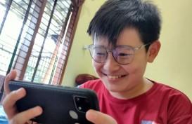 Pemakaian Gagdet Tinggi, Perlukah Anak Pakai Kacamata Anti Radiasi?