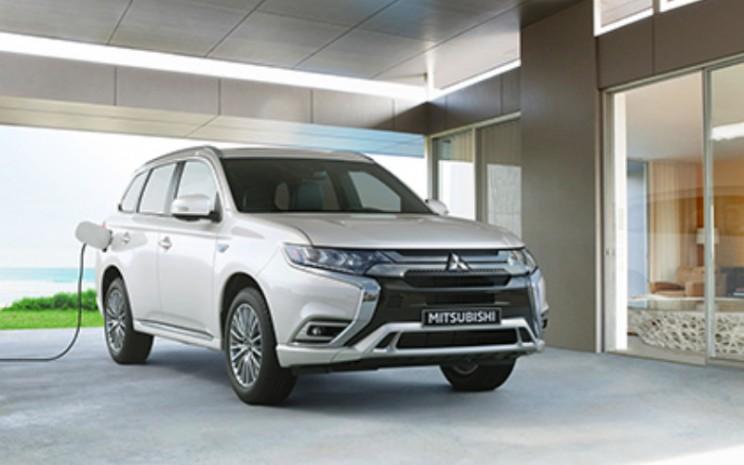Mitsubishi Outlander PHEV.  - Mitsubishi Motors