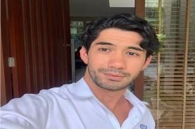 Reza Rahadian, dari Jualan Karpet, Hingga jadi Aktor…