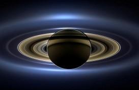 Saksikan Konjungsi Triple Bulan-Saturnus dan Jupiter Malam Ini