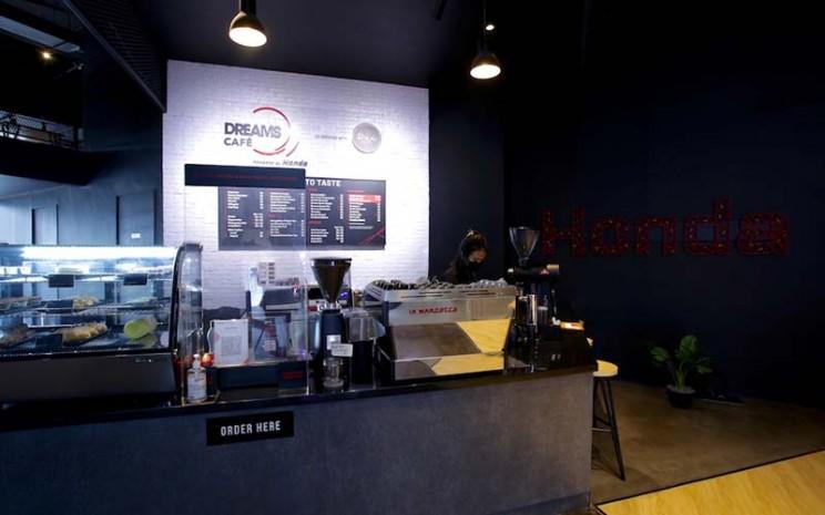 Dreams Caf merupakan kafe pertama di dunia yang dibuka oleh Honda.  - PT Honda Prospect Motor