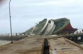 Dua Kapal Penumpang di NTT Karam Diterjang Siklon Seroja