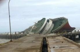 Dua Kapal Penumpang di NTT Karam Diterjang Siklon…