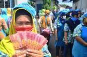 Peran BCA (BBCA) di Balik Posisi Duo Terkaya Sejagat dari Indonesia