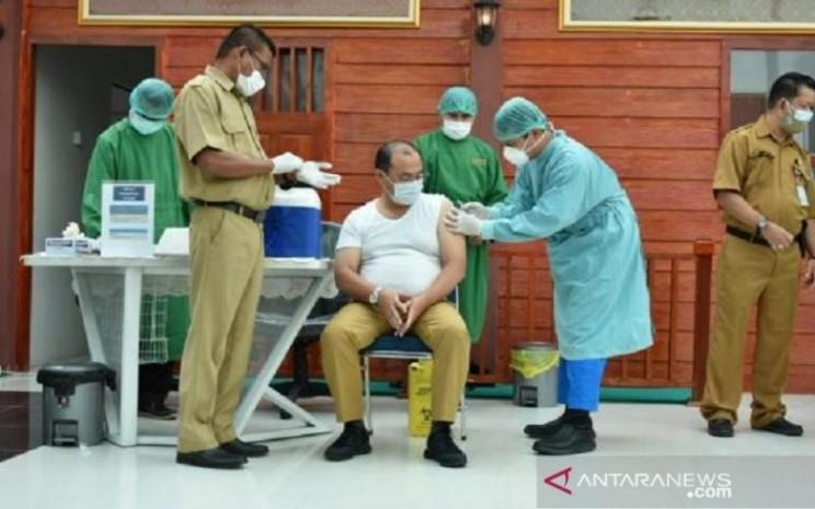 Satgas Penanganan Covid-19 Provinsi Kepulauan Bangka Belitung menyatakan sebanyak 14.096 orang tenaga kesehatan telah disuntik vaksin sinovac, guna meningkatkan kekebalan tubuh nakes dalam penanganan Covid-19. - Antara