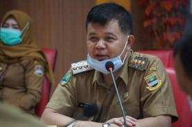Korupsi Pengadaan Barang Covid-19, KPK Tahan Bupati…