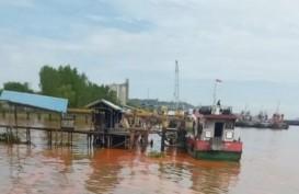 Kapal Tongkang Bermuatan Minyak Kelapa Sawit Tenggelam di Sungai Mahakam