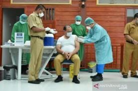 Update Vaksinasi 10 April: Tenaga Kesehatan yang Disuntik…