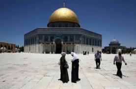 Israel Larang Jemaah Salat Jumat Masuki Masjid Aqsa,…