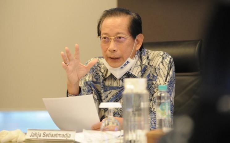 Presiden Direktur BCA Jahja Setiaatmadja saat paparan kinerja kuartal I/2020 secara live, Rabu (27/5 - 2020).