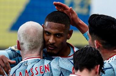 Ajax, PSV, Feyenoord Raup 3 Poin di Eredivisie Belanda