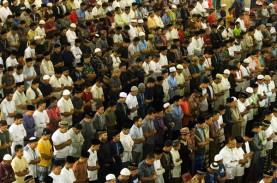 Surabaya Izinkan Salat Tarawih di Masjid, Tapi Ada…