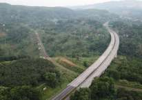 Salah satu jembatan bentang panjang di jalan tol Cipularang, Jawa Barat. Jalan tol yang beroperasi sejak 2005 itu menjadi akses penting bagi konektivitas Jakarta-Bandung./Jasa Marga