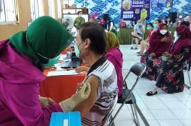 Ratusan Lansia di Pekalipan Cirebon Mulai Divaksin