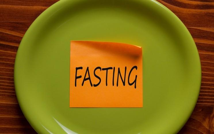 Ilustrasi puasa ramadan  -  strongpath