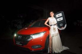 Juara Indonesia's Next Top Model 2021 Bawa Pulang…