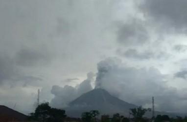 Gunung Sinabung di Tanah Karo Erupsi