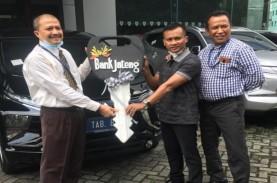 Nasabah Bank Jateng Dapat Hadiah Mobil