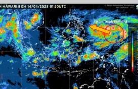 BMKG Prediksi Siklon Tropis Surigae Berkembang Jadi Topan, Lusa