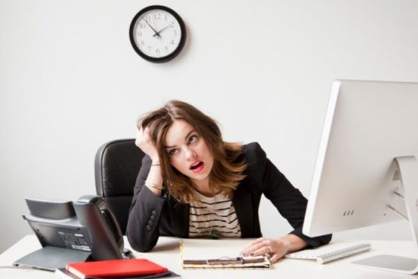 Saat Anda mulai bosan dengan pekerjaan, maka ada cara untuk membuat Anda tetap bahagia dan bergembira saat bekerja - Indiatimes