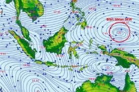 CEK FAKTA: Siklon Tropis 94W Lintasi Yogya 17-19 April?…