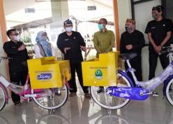 UMKM di Jabar Terima Bantuan Sepeda Serbaguna