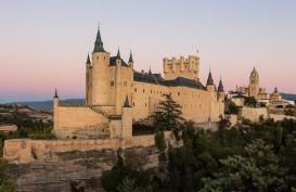 Bukan Dongeng, Ini 7 Kastil yang Melegenda