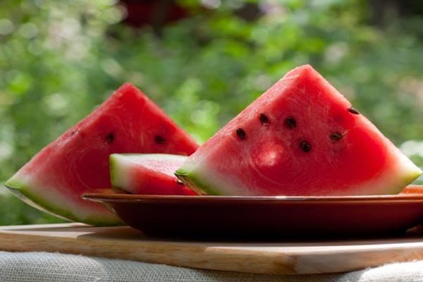 Semangka bisa ditambahkan saat sahur, sebelum memulai puasa - Istimewa