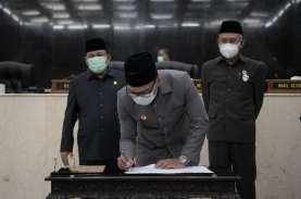 Ridwan Kamil Teken Persetujuan Dua Calon Daerah Persiapan…