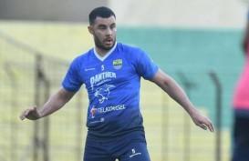 Pelatih Persib: Permainan Farshad Noor Masih Belum Berkembang