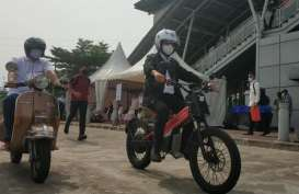 Menhub Jajal E-Mostra, Sepeda Motor Listrik Buatan UKM