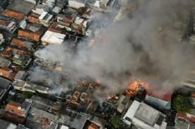Kobaran Api Hanguskan 112 Rumah Warga di Taman Sari