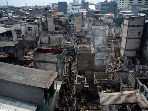 Ribuan Warga Taman Sari Jakarta Barat Terpaksa Mengungsi Akibat Rumah Mereka Hangus Terbakar