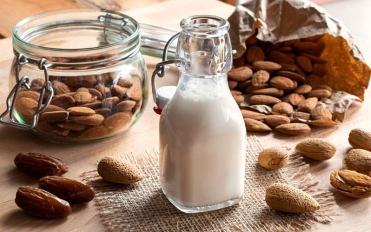 Susu almond - istimewa