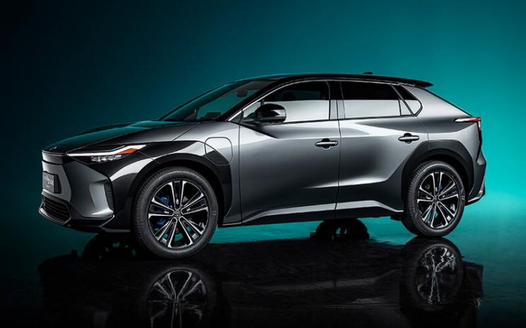 rnToyota bZ4X, mobil listrik pertama dari Toyota Motor Corp. dengan teknologi emisi karbon nol -  Toyota