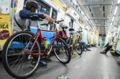Akses Diperbaiki, Pesepeda Kini Makin Nyaman Naik MRT