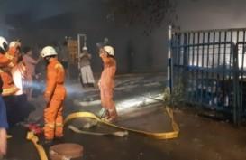 Gudang Mebel di Pulogebang Terbakar, Kerugian Ditaksir Rp400 Juta