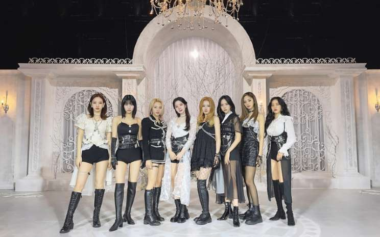 Twice di The Kelly Clarkson Show.  - JYP Entertainment