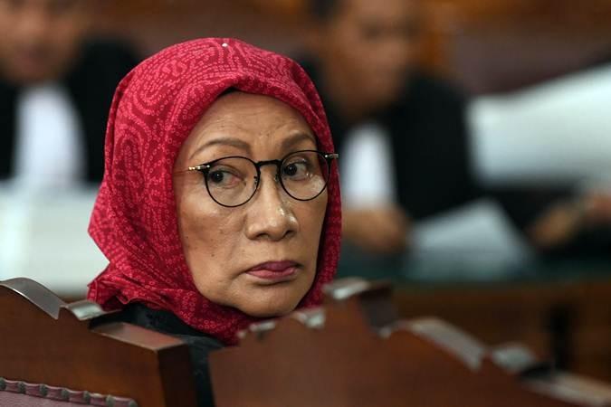 Ratna Sarumpaet, Ketua Dewan Kesenian Jakarta 2003-2006.  - ANTARA/Wahyu Putro A