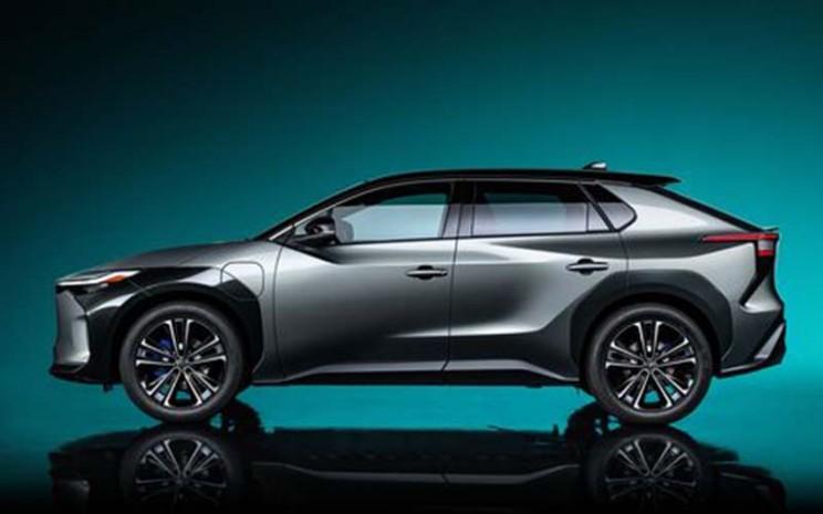 Mobil listrik konsep Toyota bZ4X.  - Toyota