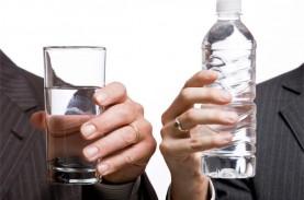 Jalani Puasa, Begini Saran Minum Air Mineral di Malam…