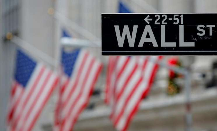 Marka jalan di dekat New York Stock Exchange (NYSE) di Manhattan, New York City/REUTERS - Andrew Kelly