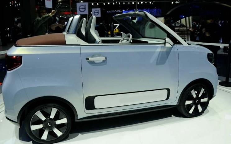 Hong Guang MINIEV Cabrio. - carscoops