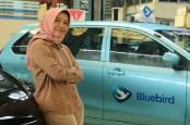 Hari Kartini: Perempuan di Balik Puluhan Ribu Armada Bluebird
