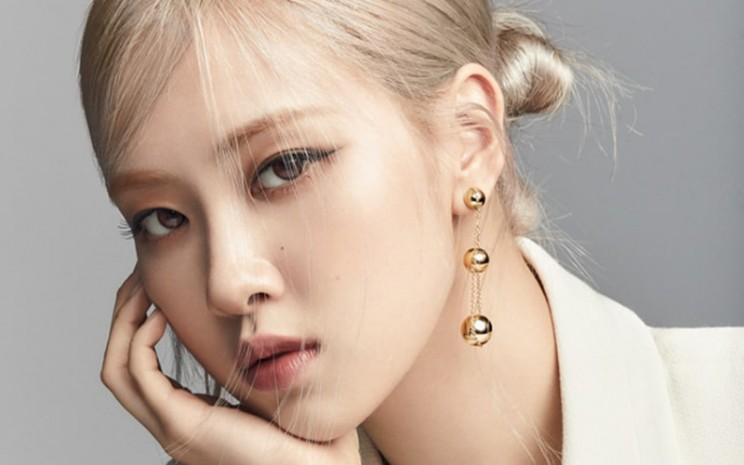 Koleksi tahun ini bersama dengan Rose akan diluncurkan pada 23 April mendatang di situs resmi Tiffany & Co.  - Tiffany & Co.